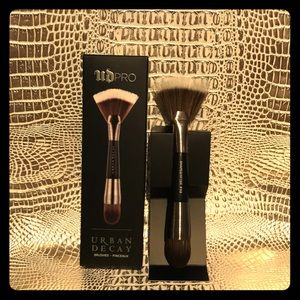 ✨URBAN DECAY PRO CONTOUR SHAPESHIFTER BRUSH🌟